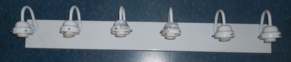 White Vanity Fitter light 6 light $25