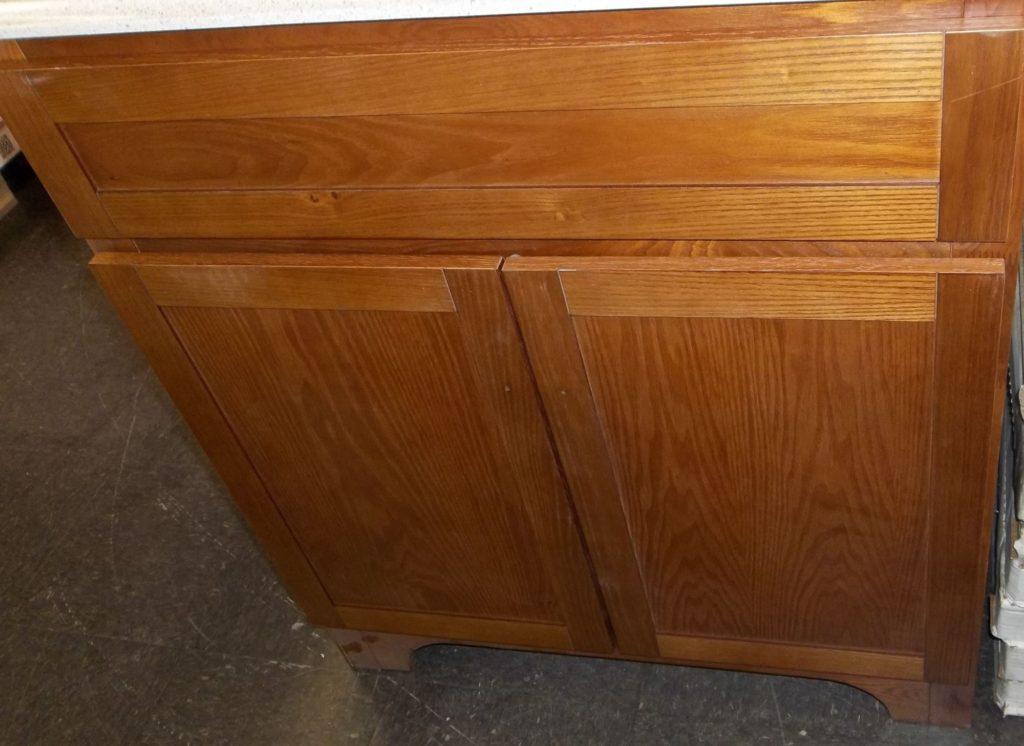 Worthington Oak Vanity 30x21 $165